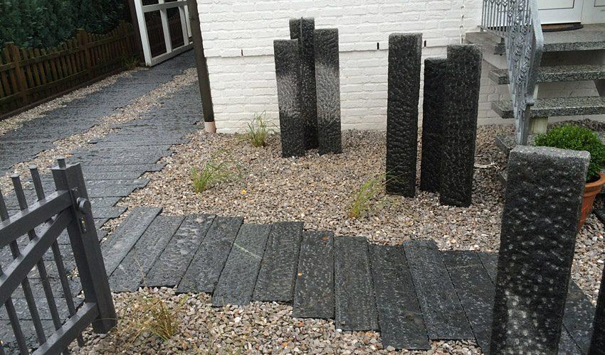 Moderner Vorgarten / Einfahrt